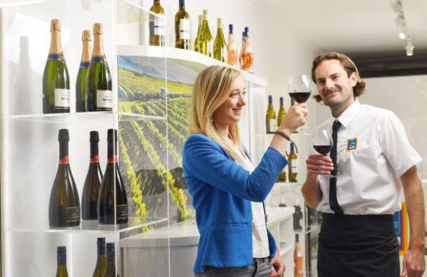 aldi-wine-shop-with-staff