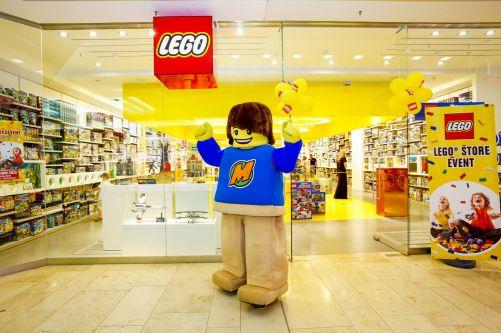 lego-store_interior-2